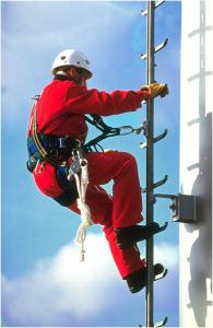 Függőleges biztonsági létrás zuhanásgátló rendszerek